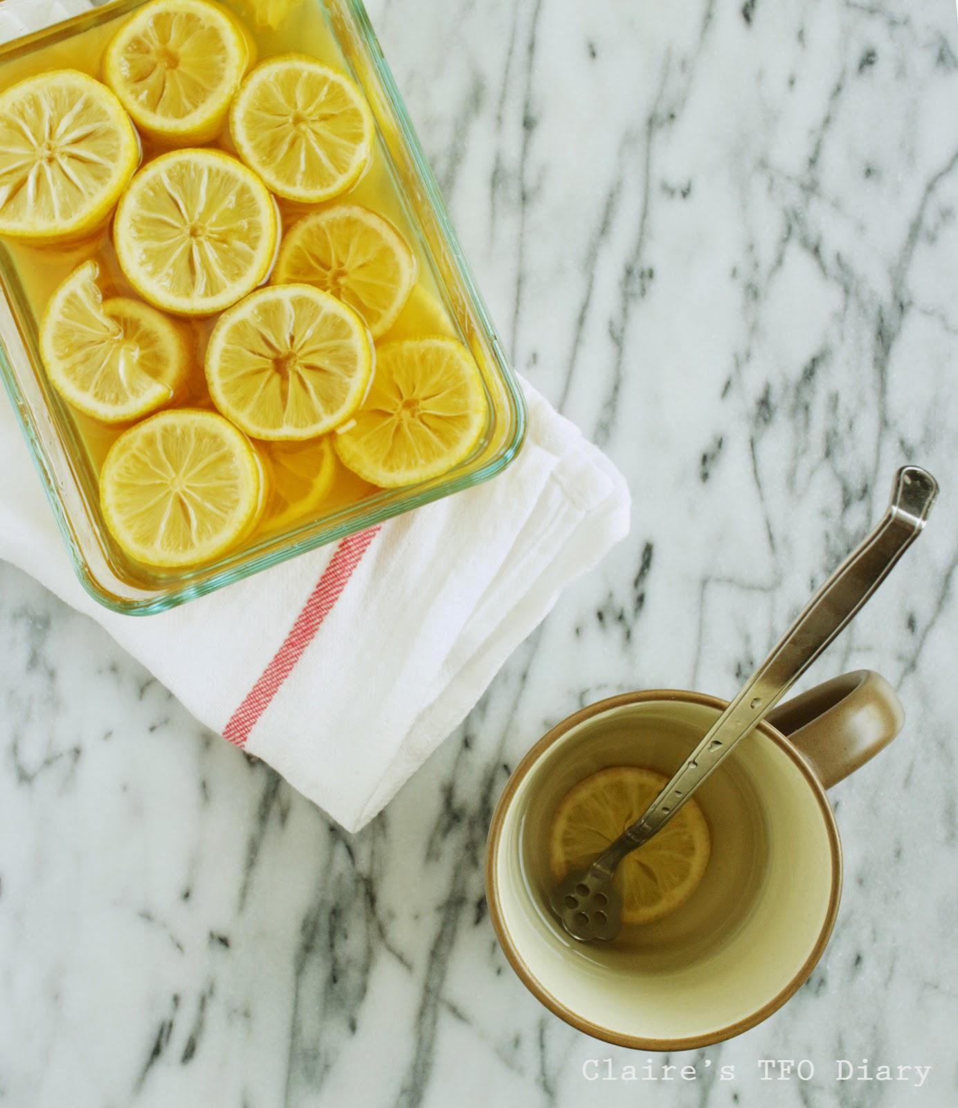 好冷喔,早上來杯溫蜂蜜檸檬水吧~~