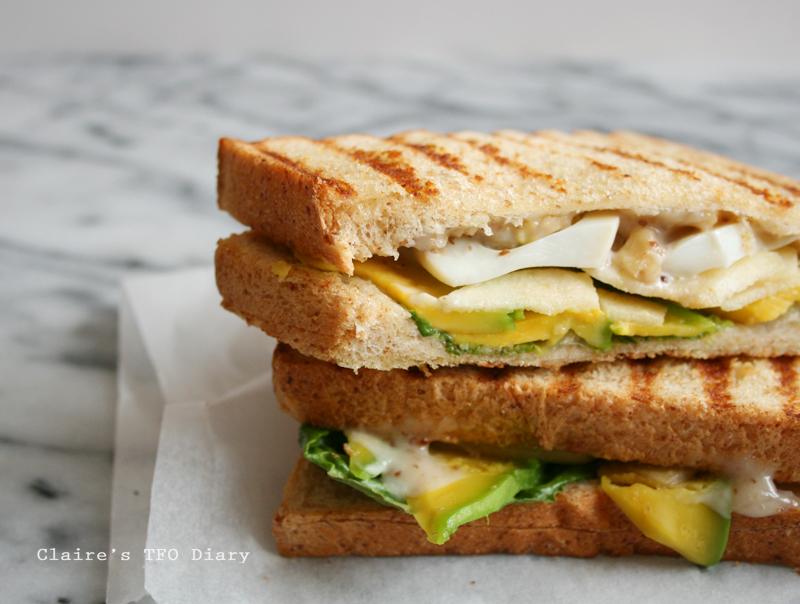 三明治食譜 – 口感酥脆又營養的酪梨帕尼尼